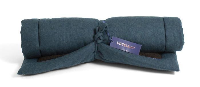 Pippa & Co Travel Dog Bed